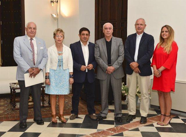 Guillén; Víboras; Reyes; Alonso; Casero y Mateos tras la reunión sobre el olivar