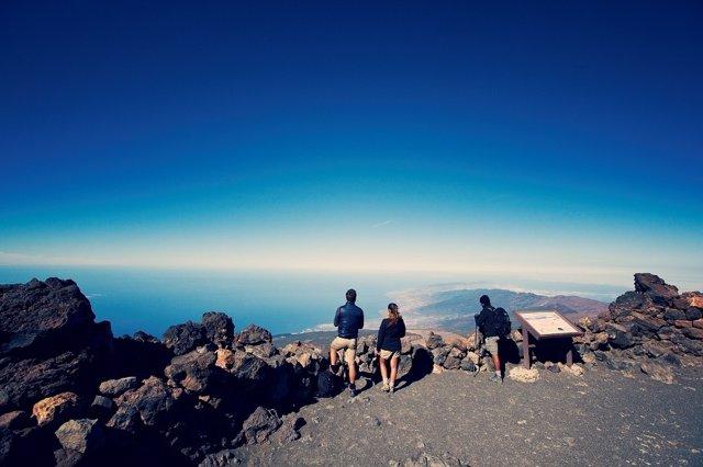 Panorámica del cielo desde lo alto del pico del Teide