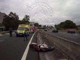 Accidente en la A-8 con un motorista herido grave