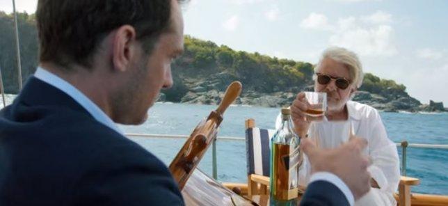 Jude Law baila para una exclusiva marca de whisky