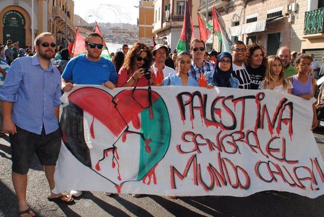 Manifestación en Melilla de apoyo a la población civil de Gaza