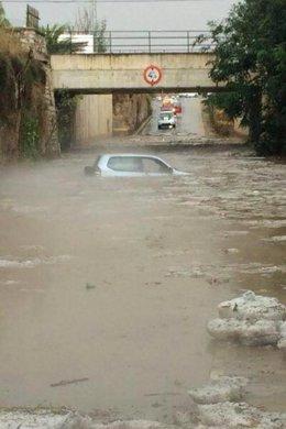 Paso subterráneo inundado