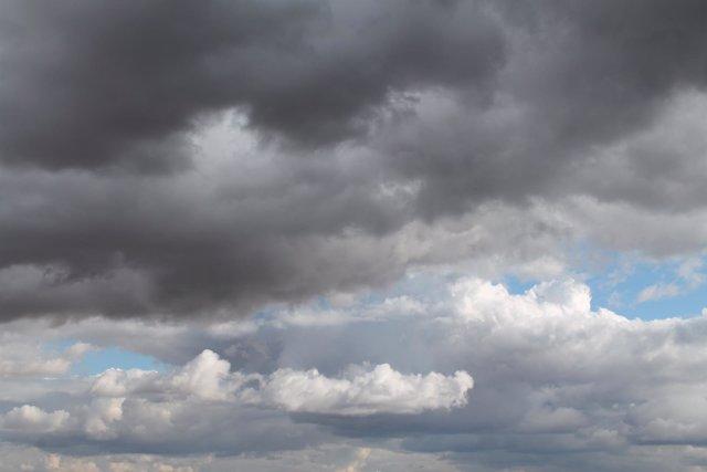 Nubes abundantes para este domingo