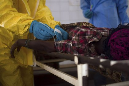 Regresa a EEUU en estado grave el primer infectado estadounidense con ébola