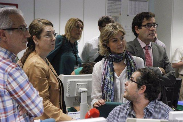 La directora de Montes, Begoña Nieto, a la derecha de la ministra del MAGRAMA