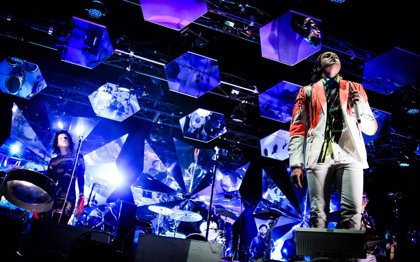 Arcade Fire tocan la canción de 'Superdetective en Hollywood'