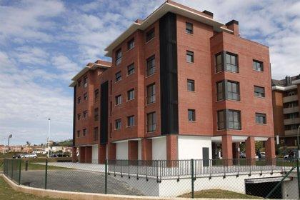 CANTABRIA.-Santander.- A subasta el bajo comercial del edificio de VPO para jóvenes de Primero de Mayo