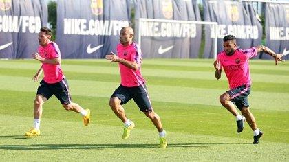 Alves, Mascherano y Messi completan su segundo entrenamiento