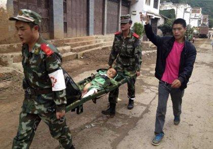 Asciende a 589 el número de muertos por el terremoto en el suroeste de China