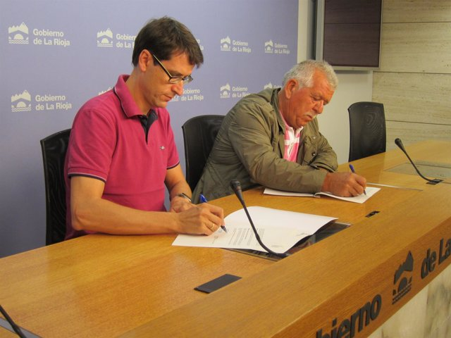 Gonzalo Capellán y Ángel Seisas firman el convenio de colaboración