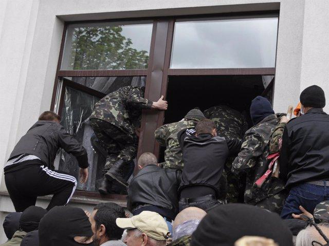 Activistas prorrusos en Ucrania