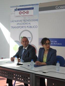 La consejera de Fomento Belén Fernández y Carlos González, director de CTA