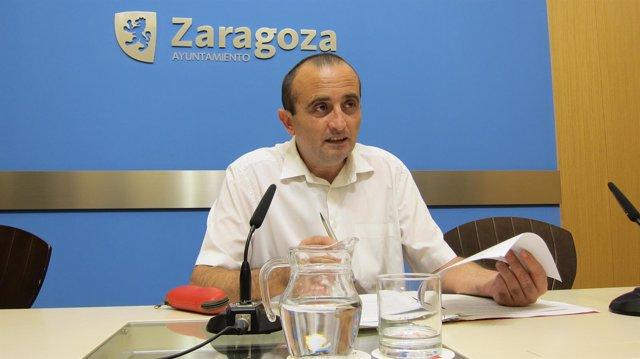El concejal de IU en el Ayuntamiento de Zaragoza, Raúl Ariza