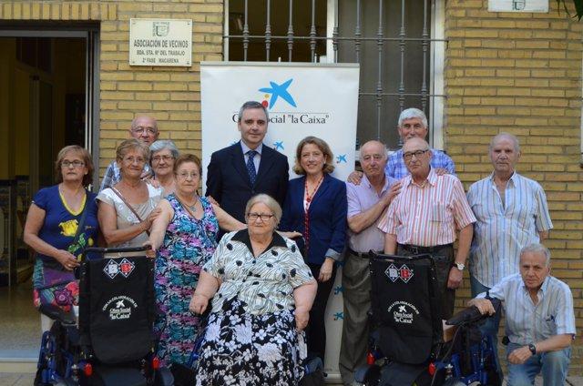 'La Caixa'  Con La Asociación De Vecinos Santa María Del Trabajo