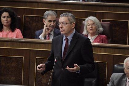 """Justicia rechaza """"generalizar"""" la devolución de la paga 'extra' de 2012 a todos los funcionarios"""