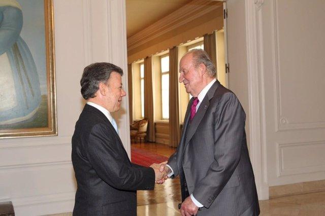 El Rey Juan Carlos con Juan Manuel Santos