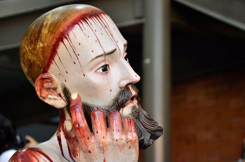 Hallan en México una estatua de Cristo con dientes humanos