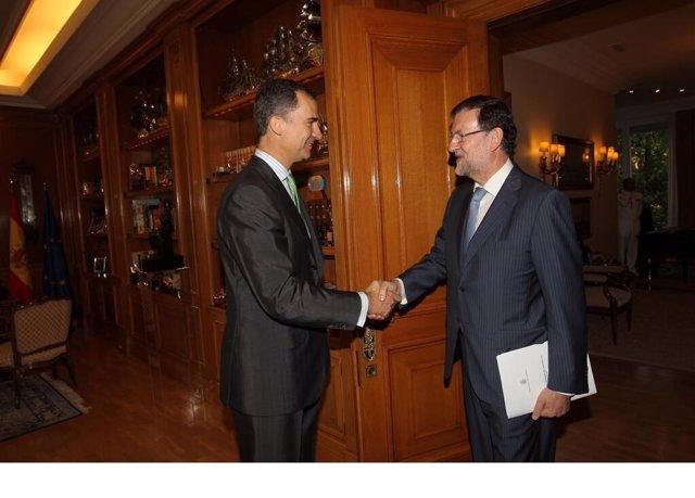 El Rey Don Felipe y Mariano Rajoy