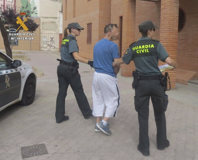 Traslado de detenido en Ausejo