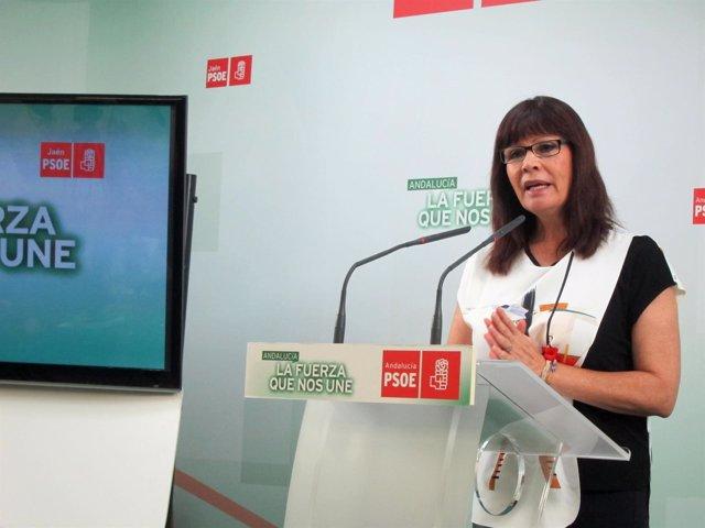 La presidenta del PSOE federal y andaluz, Micaela Navarro, en rueda de prensa.