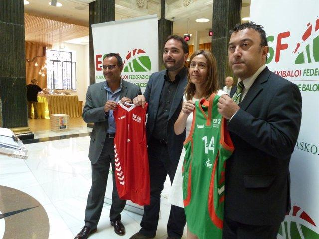 Arturo Aguado,  Jon Redondo, Nora Sarasola y Gabino Martínez de Arenaza.
