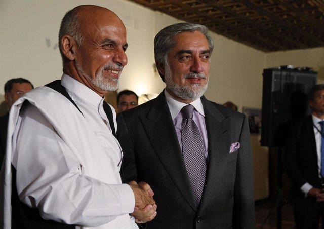 Los candidatos presidenciales Ashraf Ghani y Abdulá Abdulá