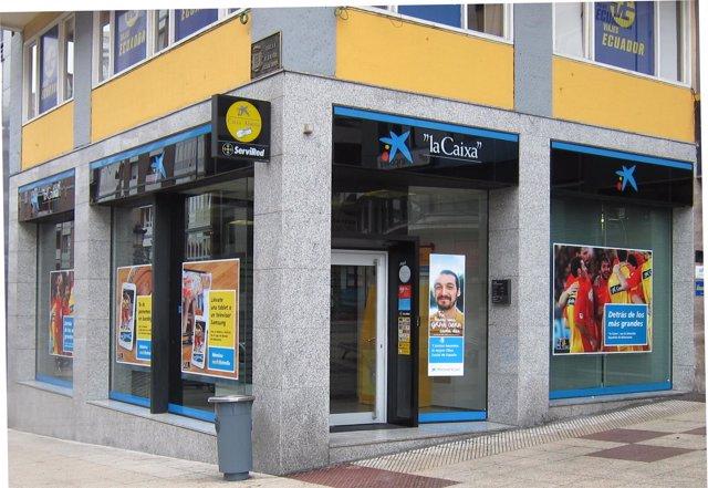 Oficina CaixaBank en Oviedo, la Caixa