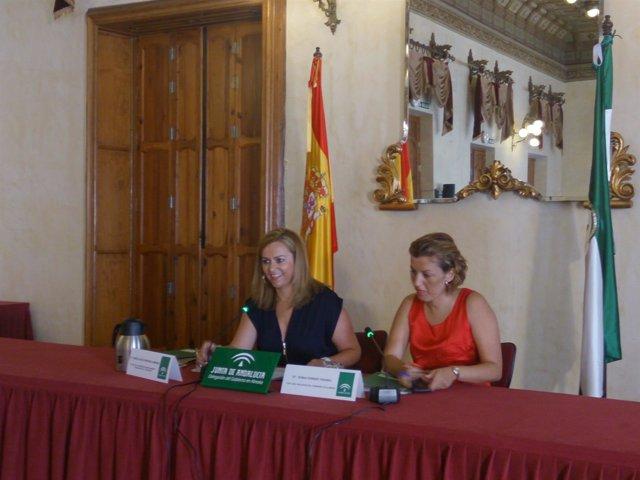 Serrano junto a la delegada de la Junta en Almería, Sonia Ferrer