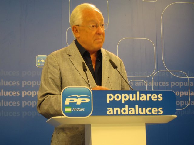 Jaime Raynaud en rueda de prensa