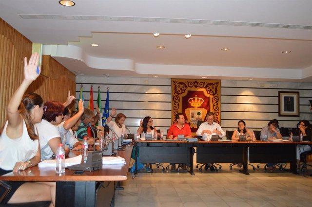 Pleno del mes de agosto en el Ayuntamiento de Punta Umbría (Huelva).