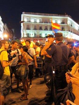 La Policía Nacional Controla La Manifestación Laica Contra La JMJ