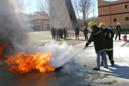 Los fisioterapeutas previenen a los bomberos para evitar lesiones