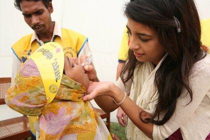 La OMS y UNICEF apoyan una campaña de vacunación masiva contra la polio