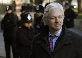 Assange afirma que EEUU puede aislar a Brasil del resto del mundo en cualquier momento