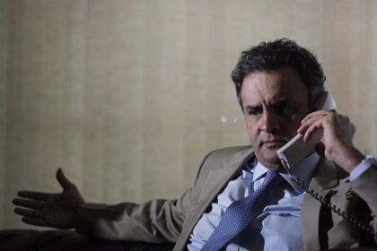 """El candidato brasileño Aécio Neves dice que en su partido los corruptos no serán """"héroes"""""""