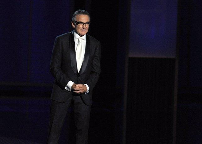 Presenter Robin Williams Speaks Onstage During