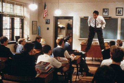 Así rodó Robin Williams la famosa escena '¡Oh capitán, mi capitán!'