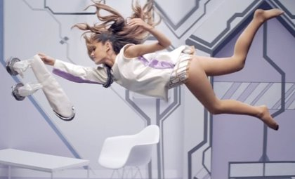 Ariana Grande homenajea a Star Wars en el video de Break Free