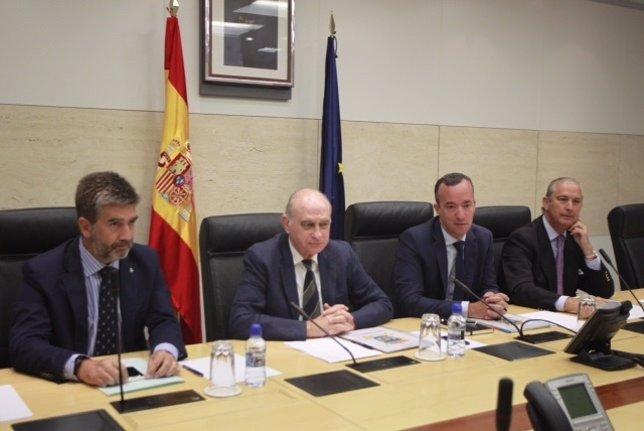 El ministro Jorge Fernández Díaz se reúne con cúpula del Ministerio del Interior