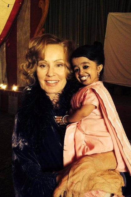 American Horror Story: Freak Show ficha a la mujer más bajita del mundo