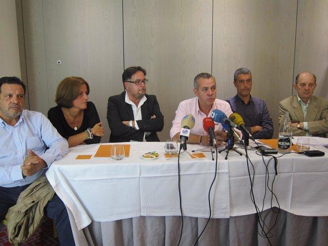 Representantes de asociaciones de comerciantes contrarias a liberalizar horarios