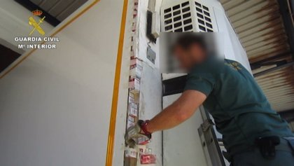 Incautadas más de 46.500 cajetillas de tabaco ocultas en un camión