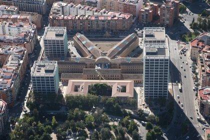 La licitación centralizada de la limpieza del complejo 9 d'Octubre por hasta 2,6 millones ahorrará 500.000 euros anuales