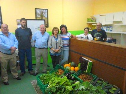 CANTABRIA.-Valles Pasiegos entrega hortalizas a la FECAV para su reparto entre familias necesitadas