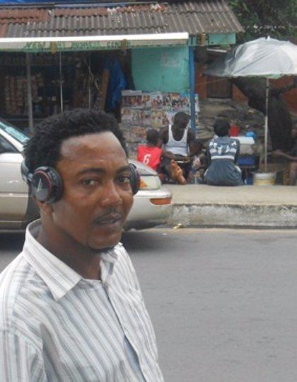 Músicos de Liberia animan a plantar cara al ébola a ritmo de rap