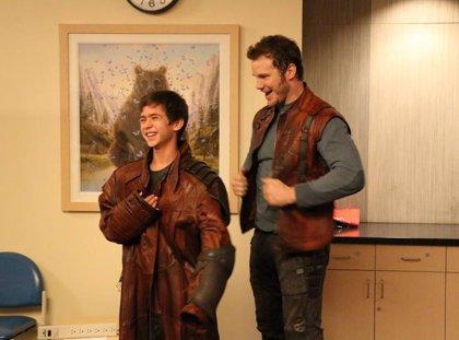 Guardianes de la galaxia: Chris Pratt visita un hospital infantil