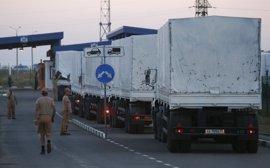 Regresan a Rusia los primeros camiones del convoy humanitario ruso para el este de Ucrania