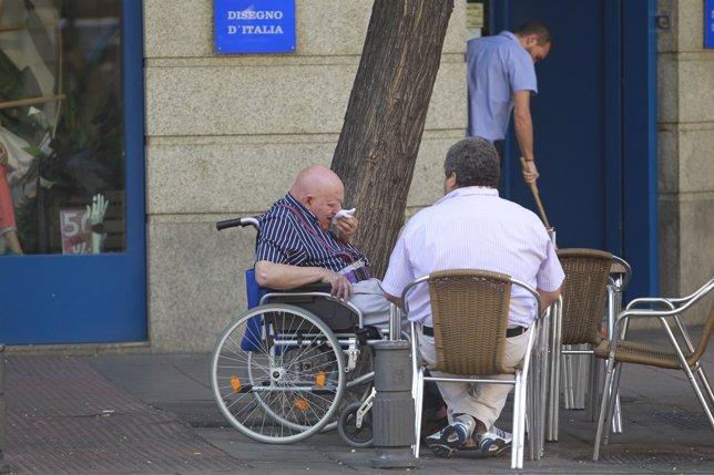 Discapacitado, persona con dicapacidad, silla, dependencia, accesibilidad