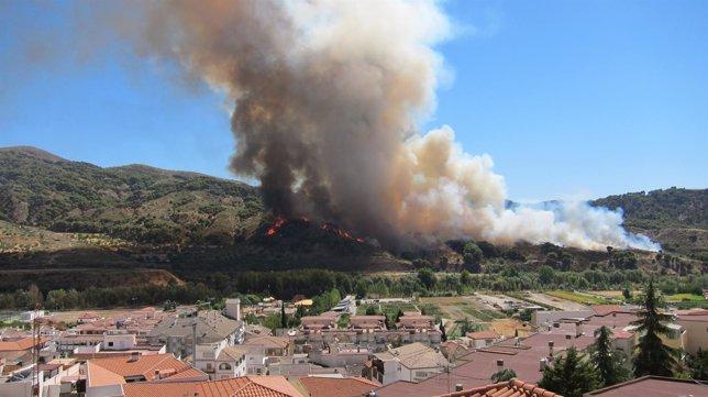 Incendio declarado en Cenes de la Vega