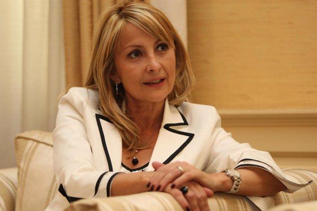 María Australia Navarro.